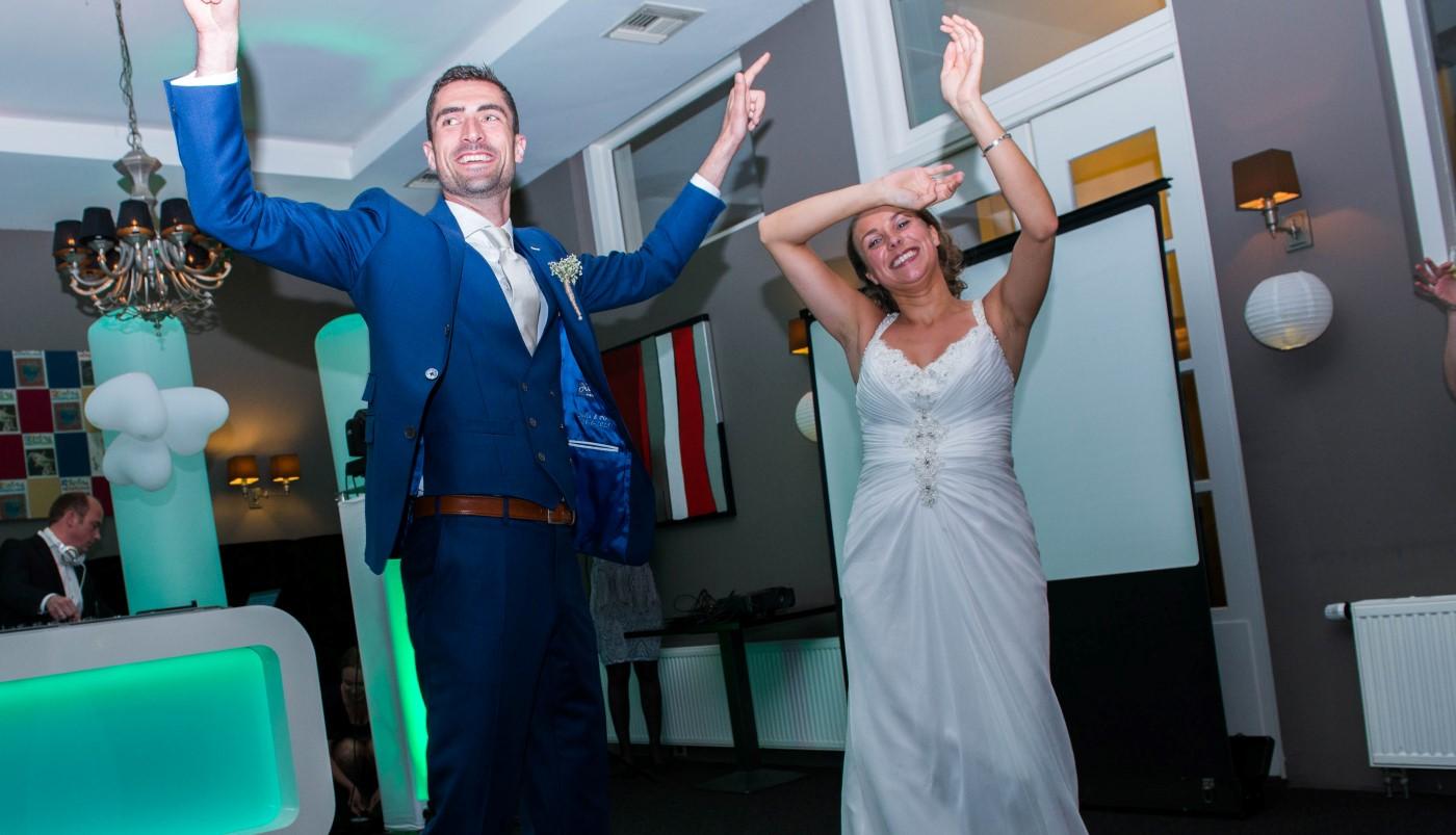 DJ-Alex-Vleer_huwelijksfeest-Pieter-Julia-Post-Plaza-Leeuwarden_trouwen-3